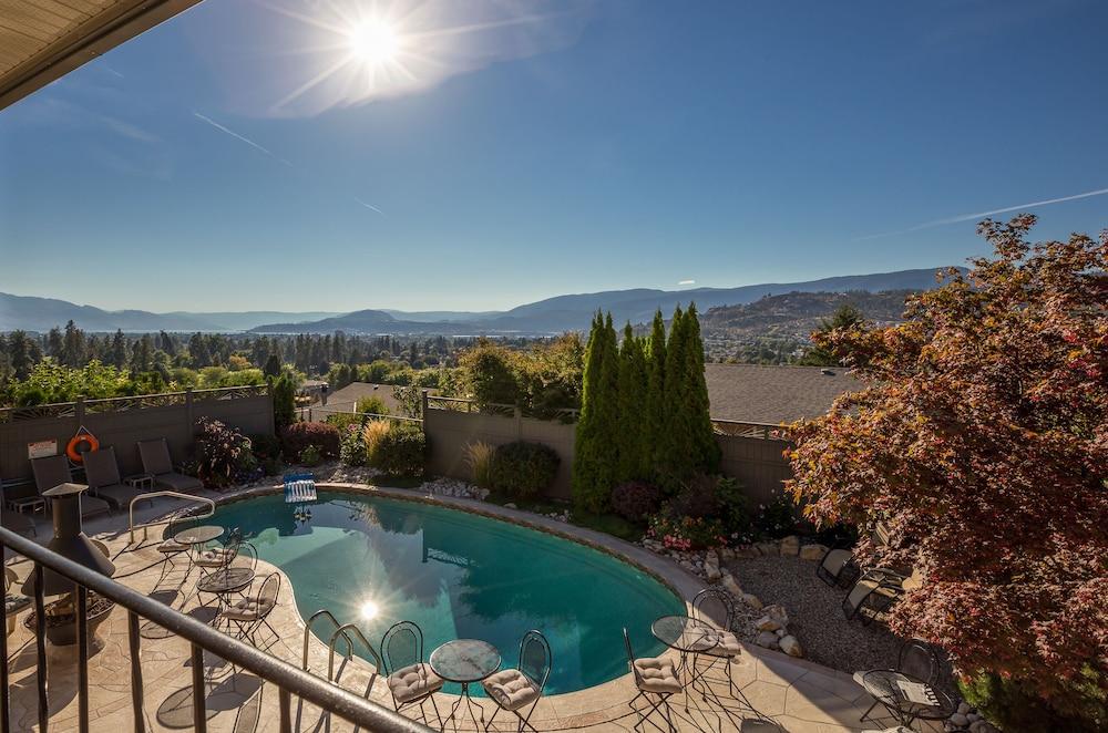 A Vista Villa Couples Retreat