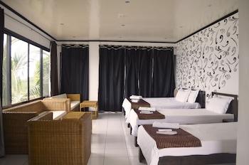 Peace And Love Resort Palawan Guestroom