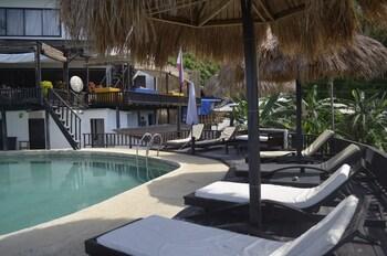 Peace And Love Resort Palawan Outdoor Pool