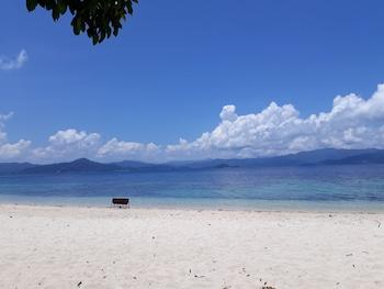 Peace And Love Resort Palawan Beach