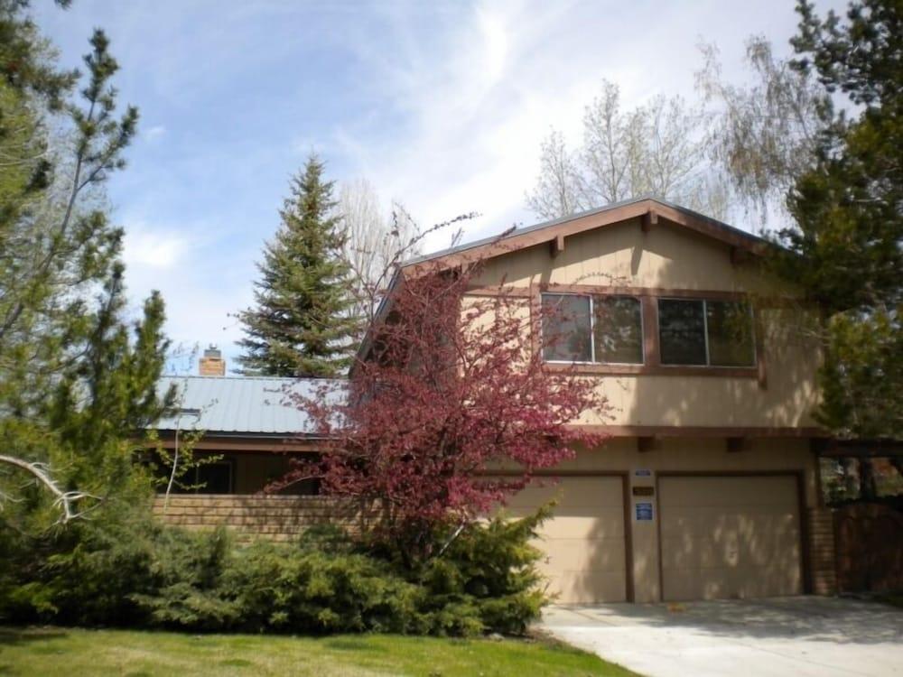 528 Tahoe Keys Blvd