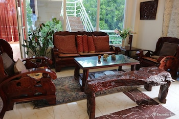 Villa de Sierra Vista Palawan Lobby Sitting Area