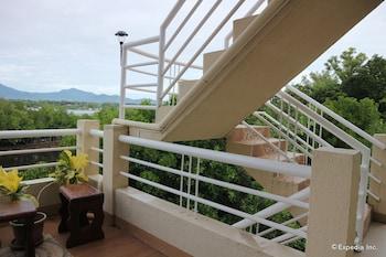 Villa de Sierra Vista Palawan Staircase