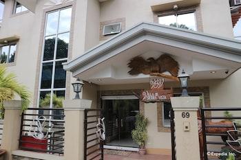 Villa de Sierra Vista Palawan Hotel Entrance