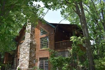Photo for Bear Creek Bed and Breakfast Lodge in Walnut Shade, Missouri