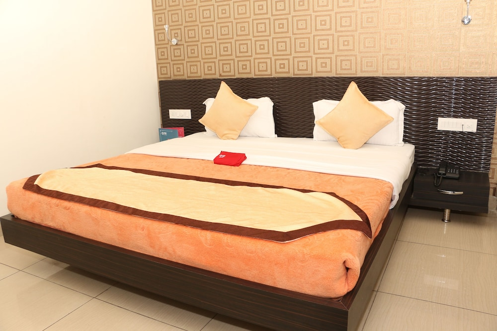 OYO 1075 Hotel City Home