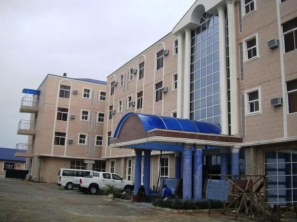 Kayriott Hotel & Suites