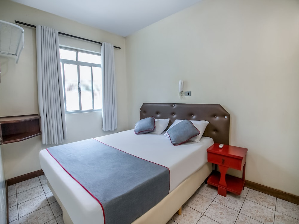 OYO Hotel Grants