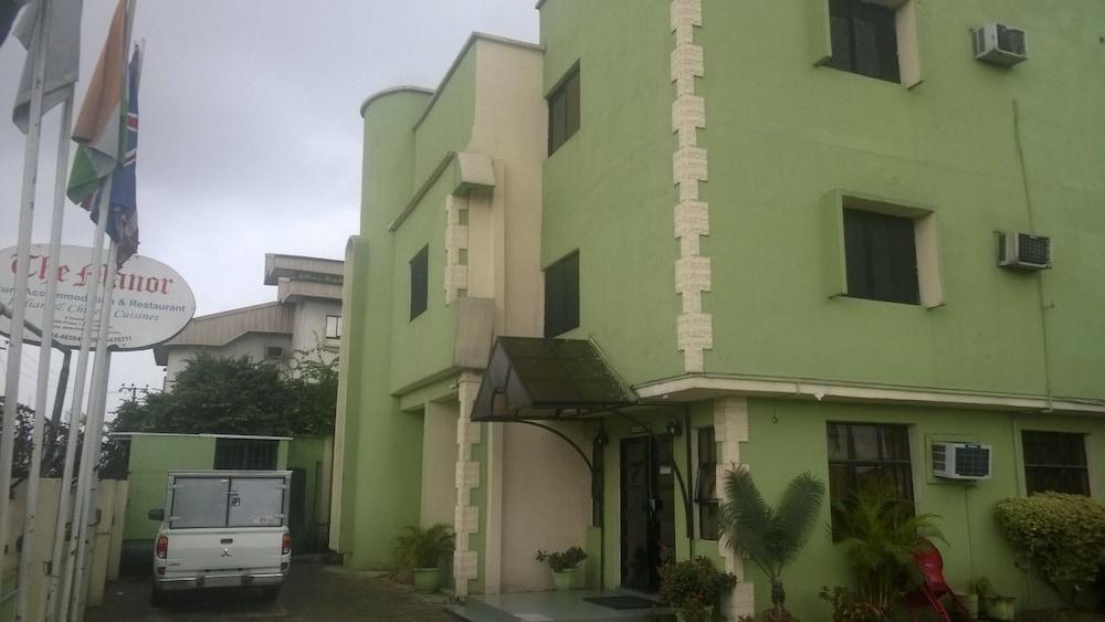 Manor Hotel