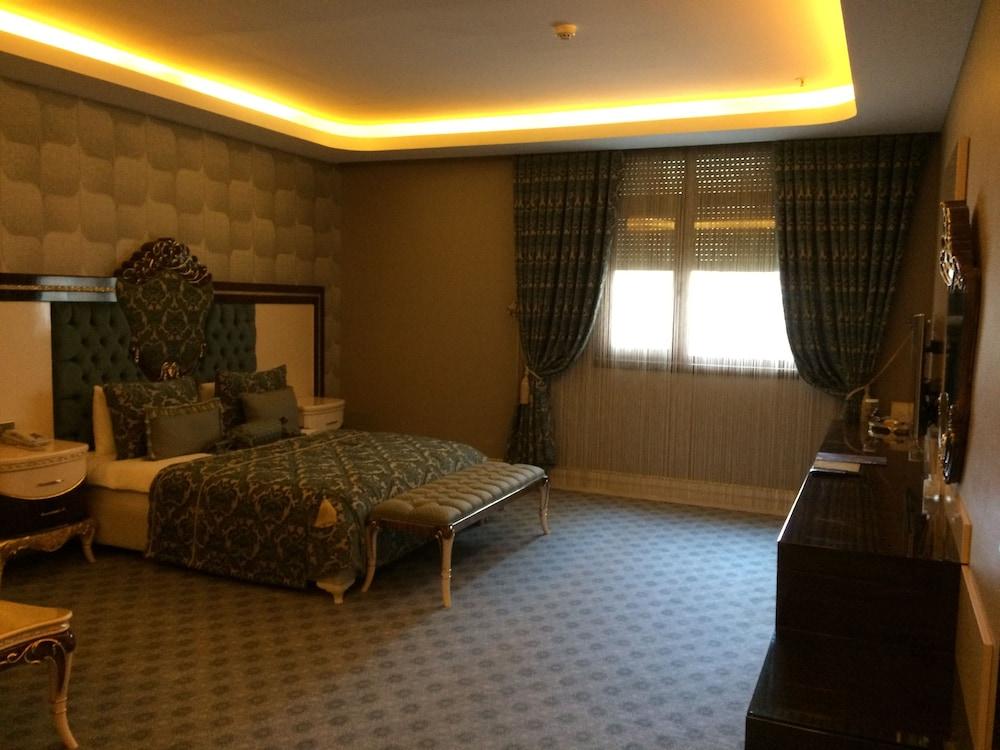 Grand Work Hotel