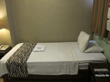 New Era Pension Inn Cebu Guestroom