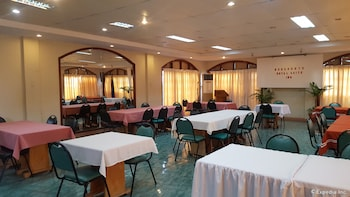 Dumaguete Royal Suite Inn Dining