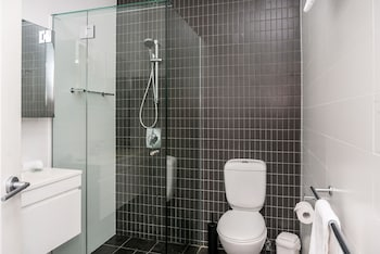 Quiksilver Apartments - Bathroom  - #0