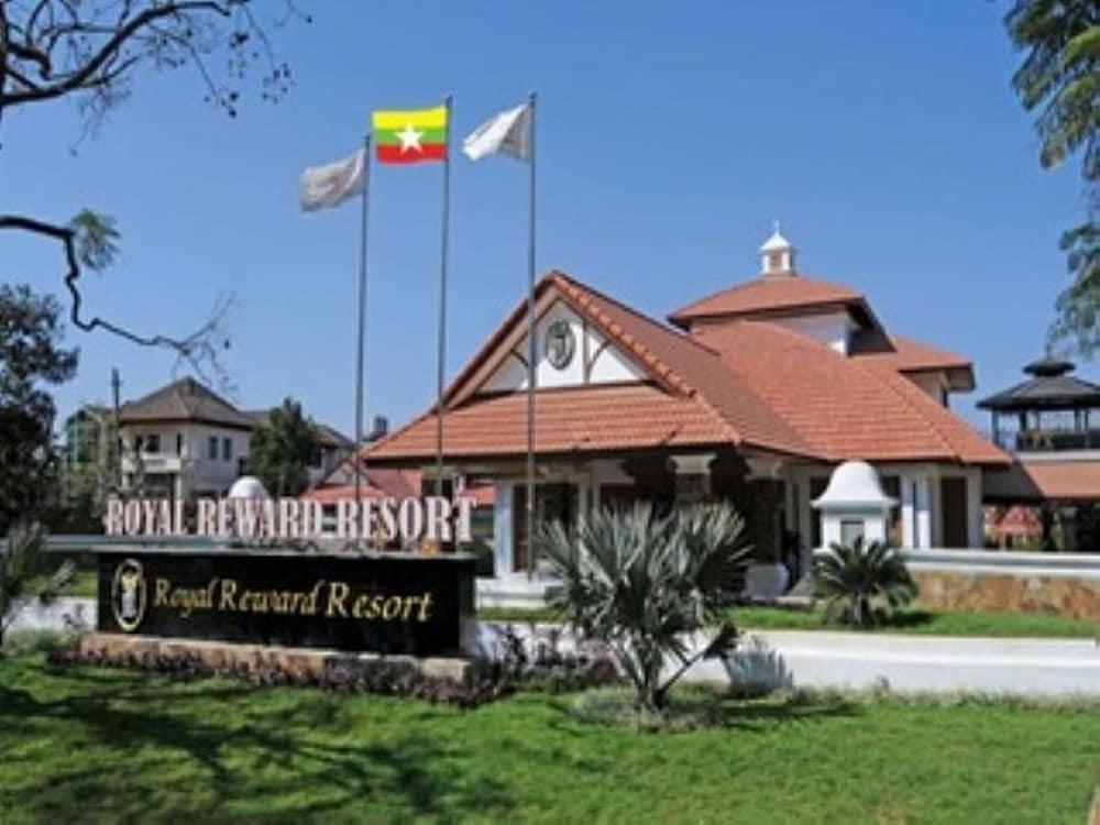 Royal Reward Resort