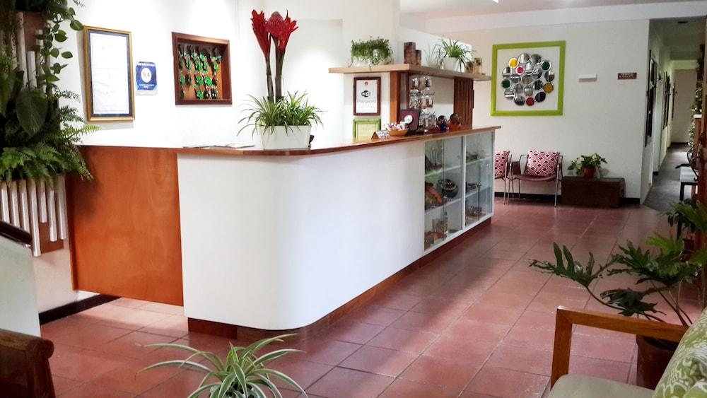 Árbol de Fuego Eco-Hotel