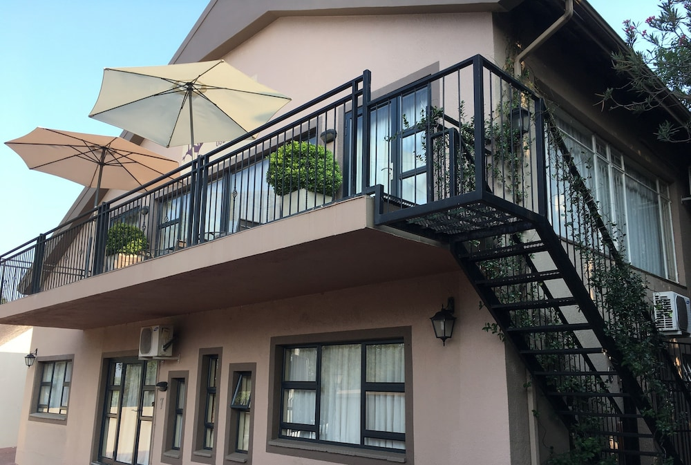 Pumleni Guesthouse