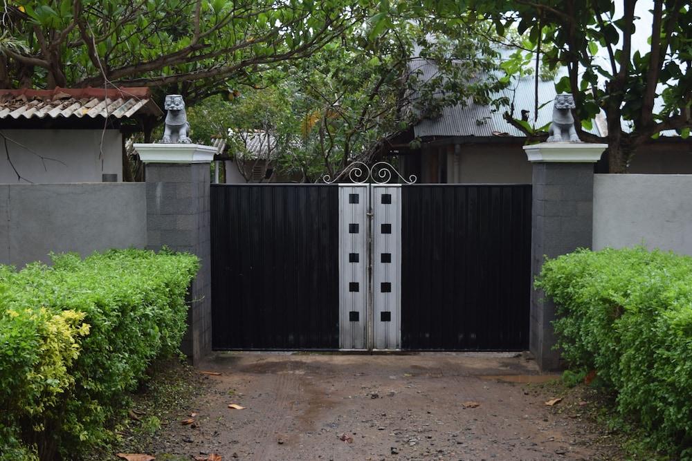 Elephant Rest Udawalawa