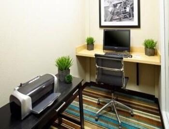 Hawthorn Suites by Wyndham Bridgeport/Clarksburg