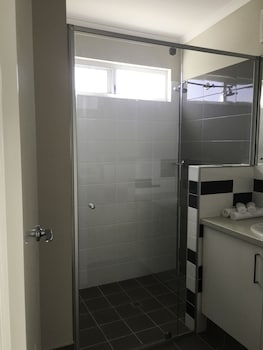 RAC Cervantes Holiday Park - Bathroom  - #0