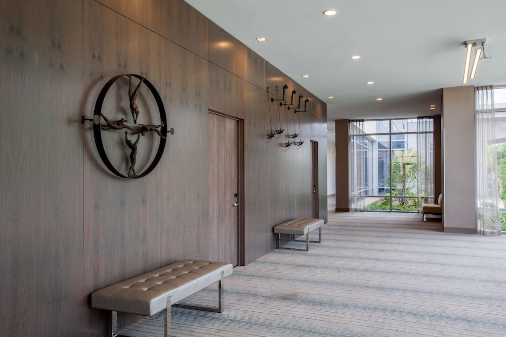 Holiday Inn Cleveland Clinic, Cleveland 𝐇𝐃 𝐏𝐡𝐨𝐭𝐨𝐬