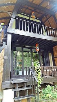 Love And Peace Deep Jungle And River Resort Palawan Exterior