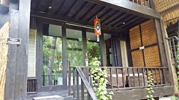 Love And Peace Deep Jungle And River Resort Palawan Terrace/Patio