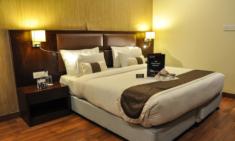 OYO 1361 Hotel GenX Casaya Inn