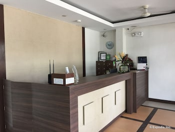 Coron Ecolodge Reception