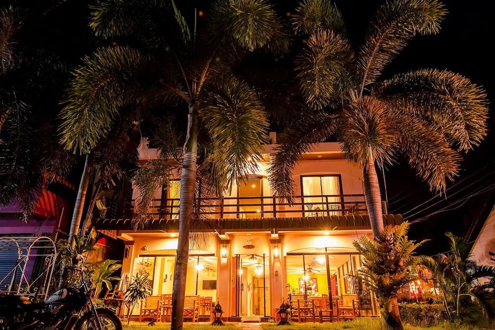 Klong Muang Sunset Hotel