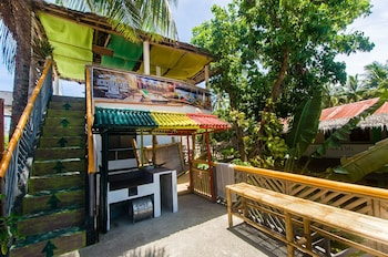 Jeepney Hostel And Kite Resort Boracay Terrace/Patio