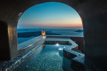 Photo for Ventus Paradiso Villa in Santorini
