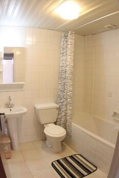 StayCentral - Bathroom  - #0