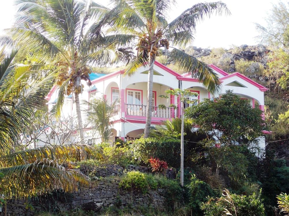 La Villa Allamanda