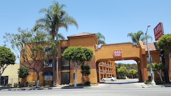 Travel Plaza Inn in Compton, California