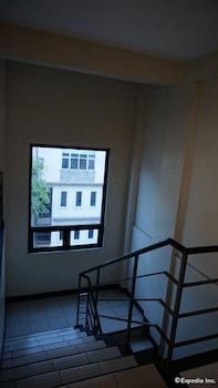 Knysna Residence Manila Staircase