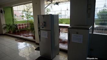 Knysna Residence Manila Mini-Refrigerator