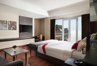 Junior Suite, Pool View