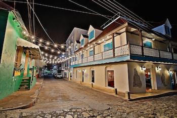 Isla de Flores Hotel