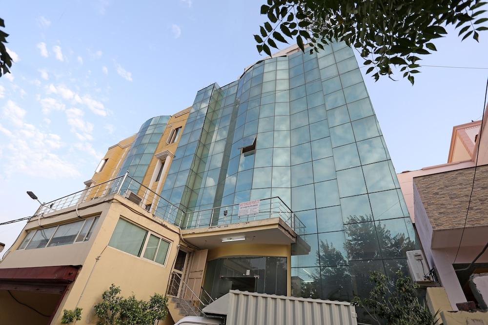 OYO 677 Hotel NK Residency