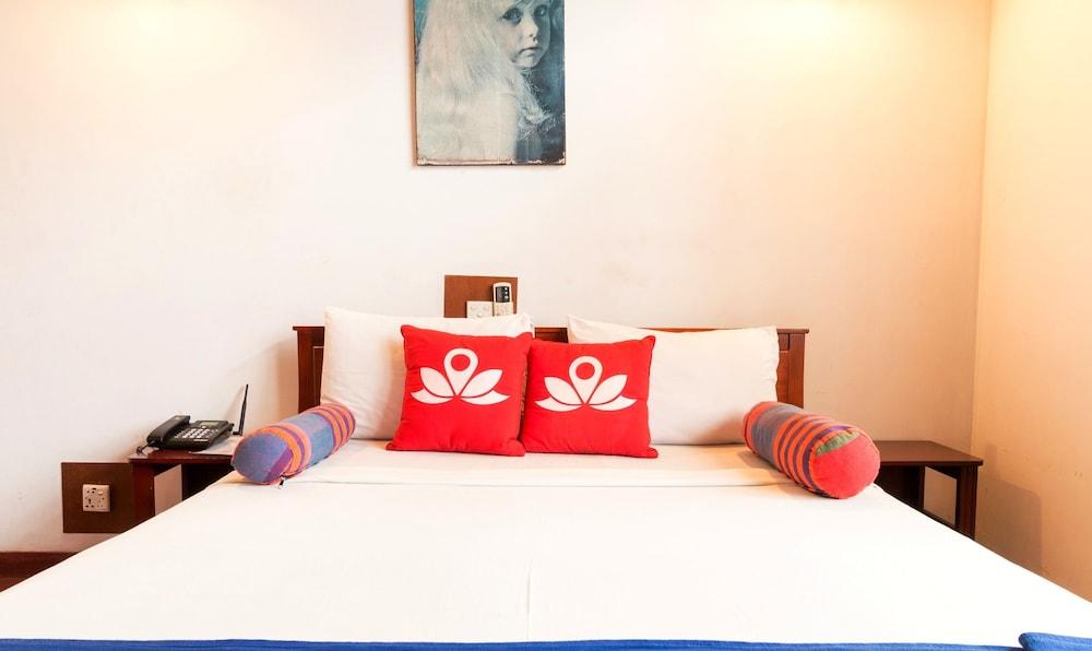Zen Rooms Modern City Inn