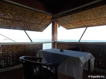 Woodruffs Beach Resort Argao Dining