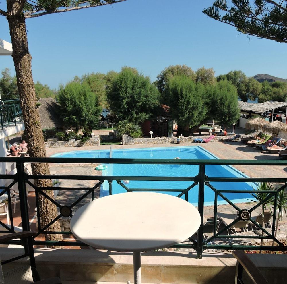 Troulakis Beach Hotel