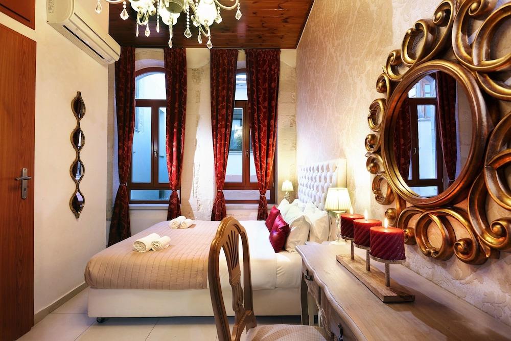 Rector's Romance Suites