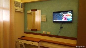 Julieta's Pension House Puerto Princesa Living Area