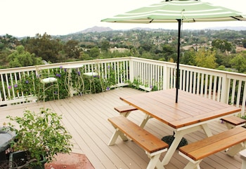 Sandra D's Country Guest House in Fallbrook, California
