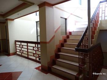 Imperial Ridge Pension House Tagbilaran Staircase
