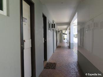 Lucky 9 Budget Hotel Davao Del Norte Hallway