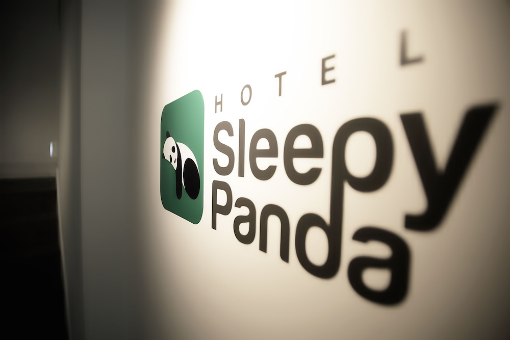 Hotel Sleepy Panda Stream Walk