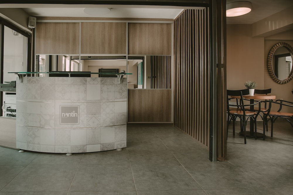 Nantin Hotel