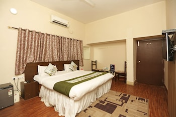 Photo for OYO 1806 Hotel Platinum House in Allahabad